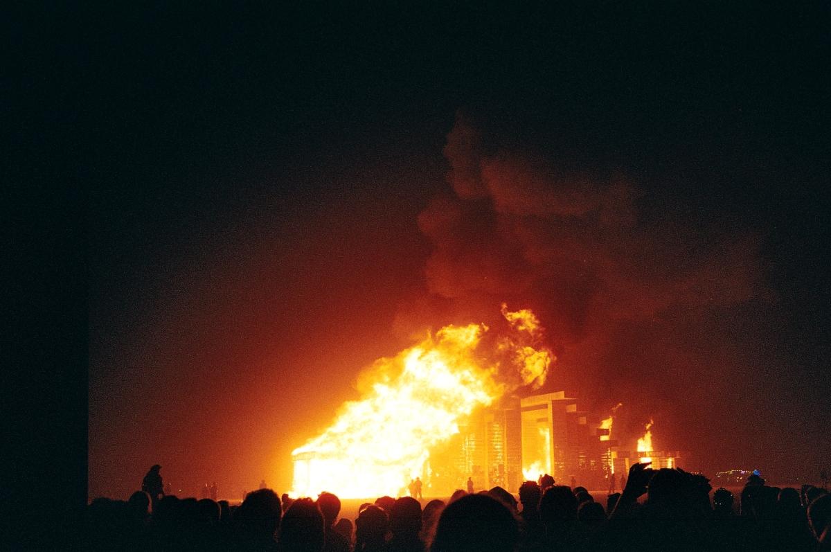Templi põletamine. Foto: Risto Kalmre