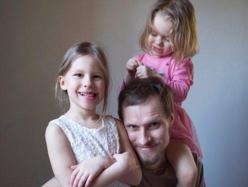 Herkko Labi koos lastega