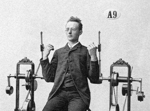 Rootsi arsti Gustav Zanderi 19. sajandi teises pooles loodud mehhanoteraapiline aparaat biitsepsi treenimiseks. Allikas: Tekniska museet