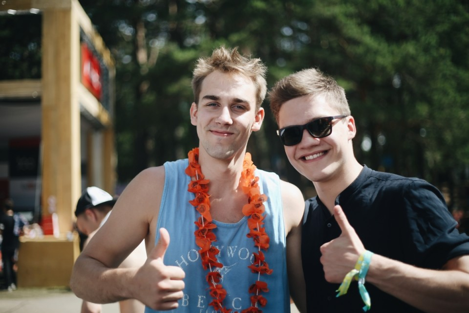 Emīls (19, esmakülastaja) ja Karlis (19, külastab festivali teist korda)