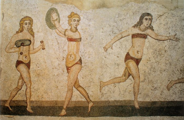 3. sajandist pärit mosaiik palli mängivatest naisatleetidest Sitsiilias Piazza Armerina linna lähistel asuvas Villa Romana del Casales. Foto: Yann Forget / Wikipedia