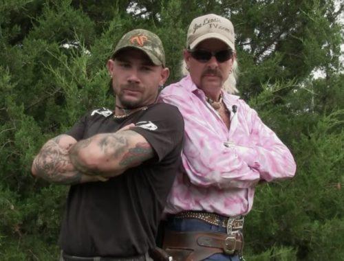 Joe Exotic (paremal) ja tema kallim John Finlay. Kaader sarjast