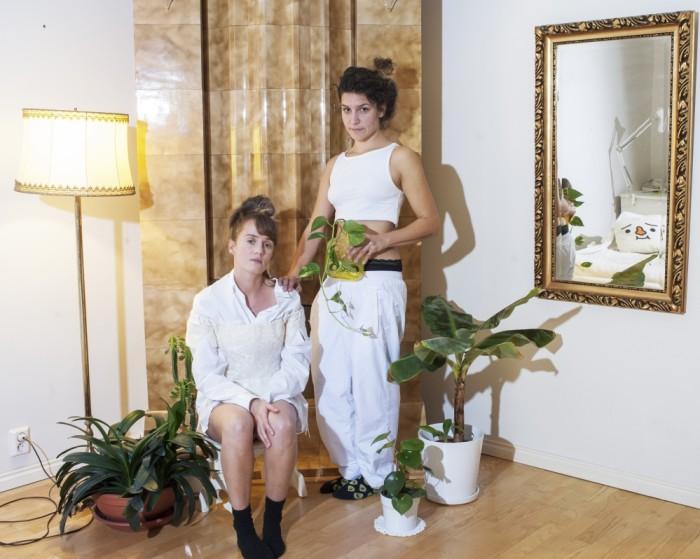Automaattinen tunteidenkäsittely – vasakul Eva-Liisa Orupõld, paremal Kiia Beilinson. Foto: Eva-Liisa Orupõld