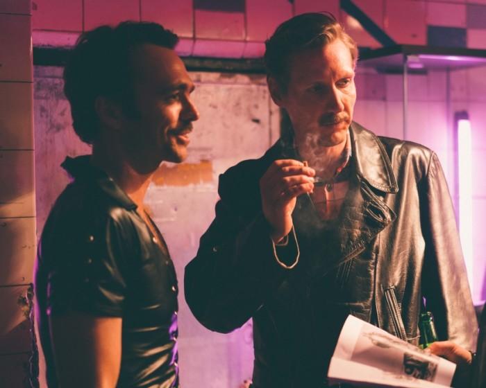 "Pekka Strang (paremal) Touko Laaksoneni rollis filmis ""Tom of Finland"". Foto: Josef Persson"
