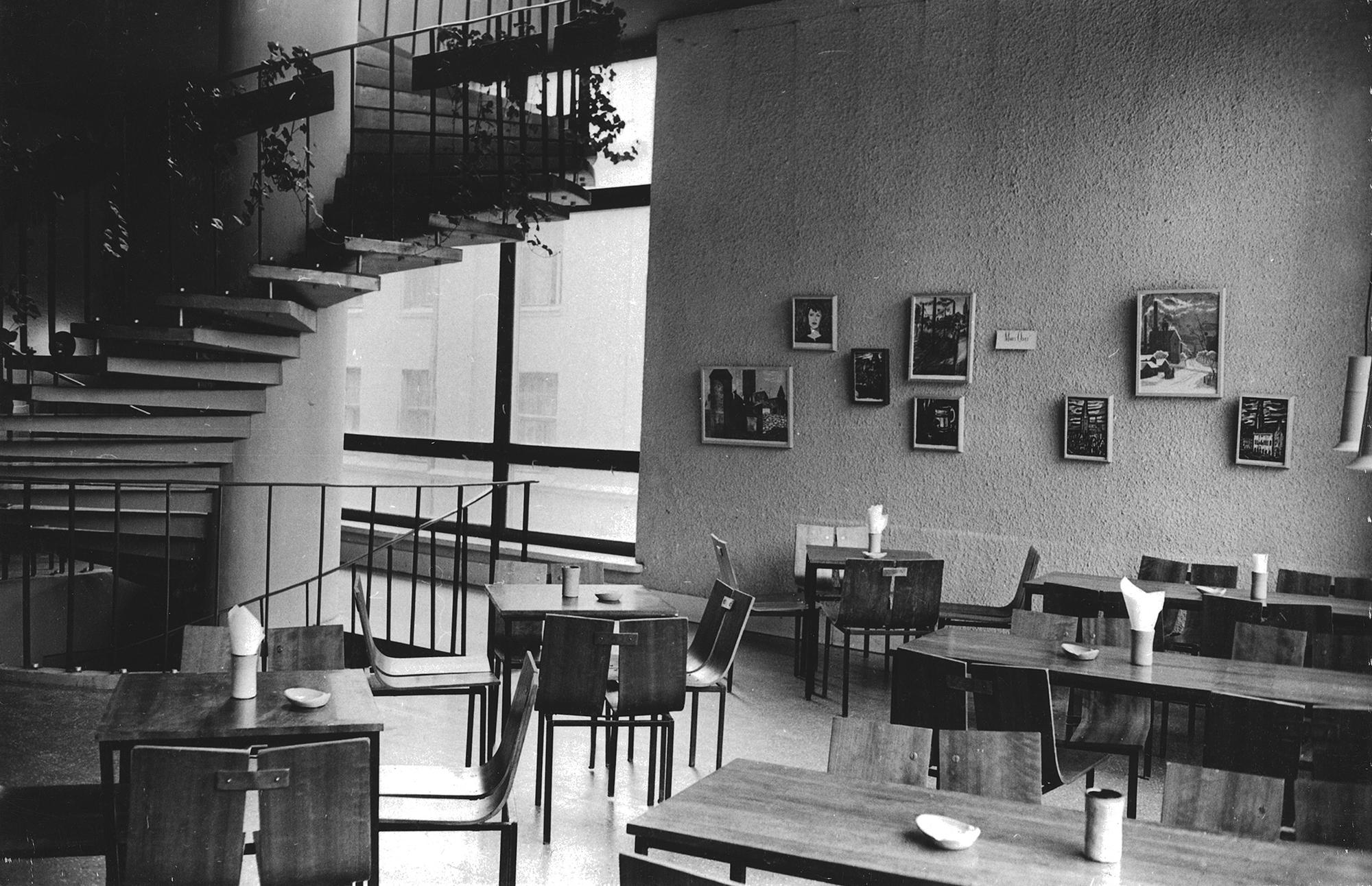 Kohvik Pegasus, 1963, sisekujunduse autorid Väino Tamm, Leila Pärtelpoeg, Allan Murdmaa. Foto: Rein Vainküla / ETDMi kogu