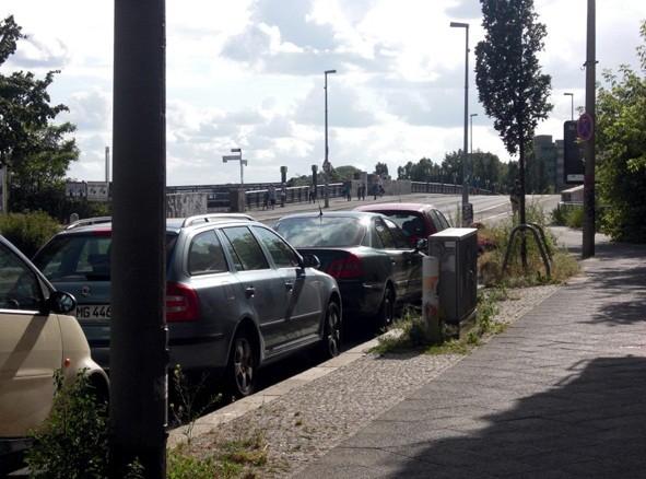 Vaade sillale, millest Anne räägib. Selle silla ees asus Berliini müür.