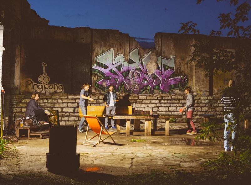 Pinksimängijad Müürilehe festivalil Kultuurikatla aias ja EKKMis. Foto: Tõnu Tunnel