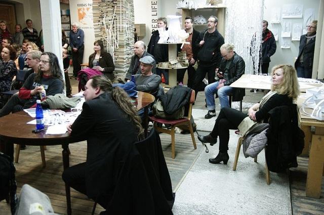 Kaader 2012. aasta festivalilt.. Esiplaanil Esa Hirvonen ja Doris Kareva