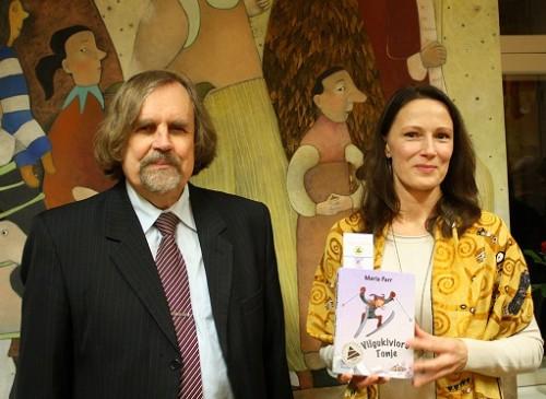 Rein Põder (kirjastus Eesti Raamat) ja Riina Hanso. Foto: Anu Kehman