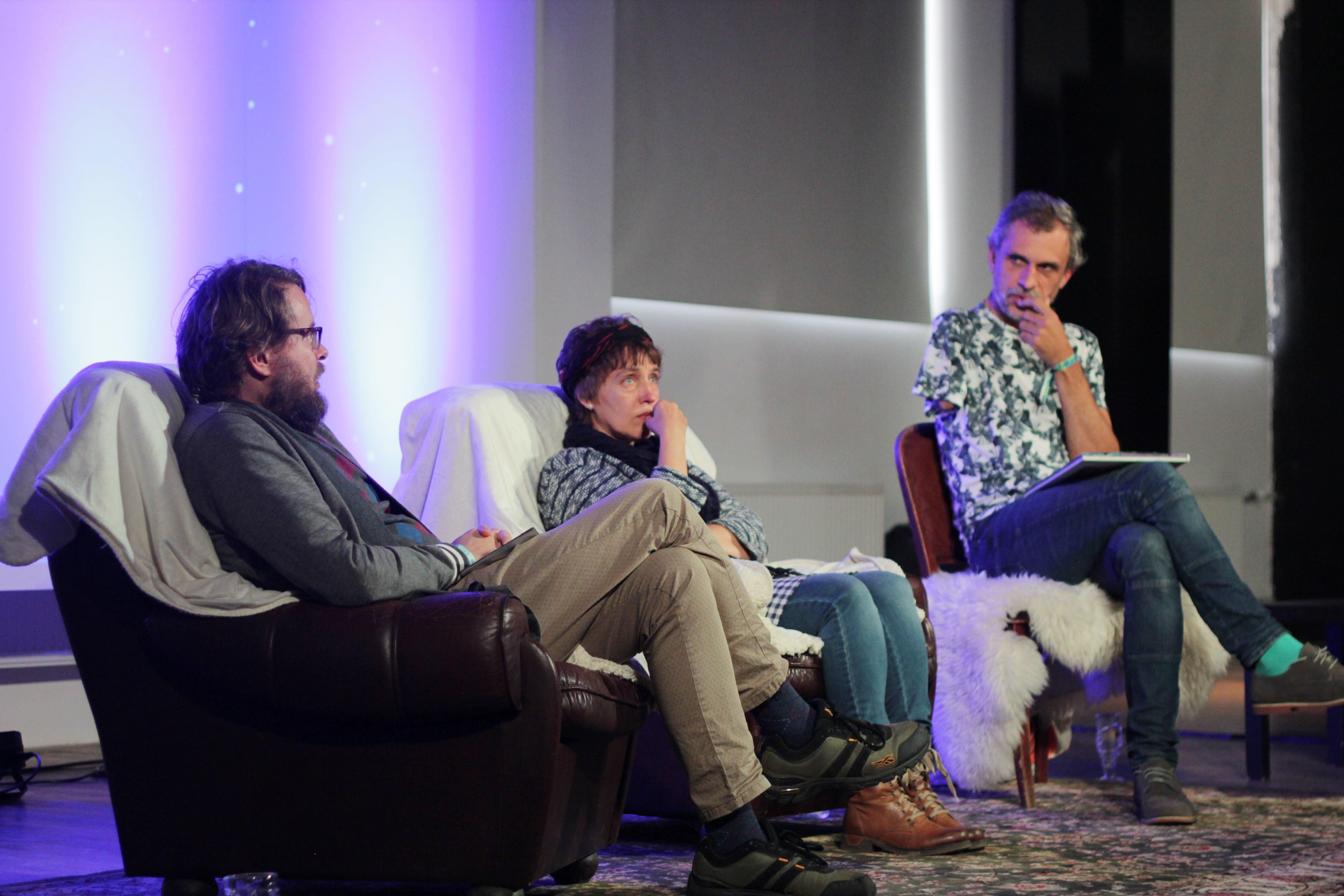 Jan Kaus, Piret Päär ja Mathura vestlusringis