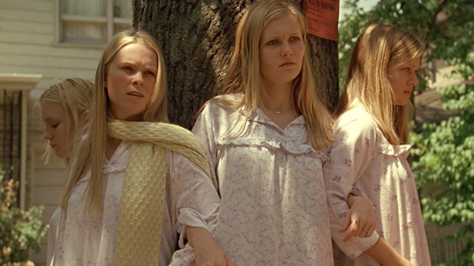 """Sofia Coppola """"Süütud enesetapud"""" maalib raputava pildi noortest, kes on vanemate survel sunnitud loobuma oma elust ja noorusest. Kaader filmist"""