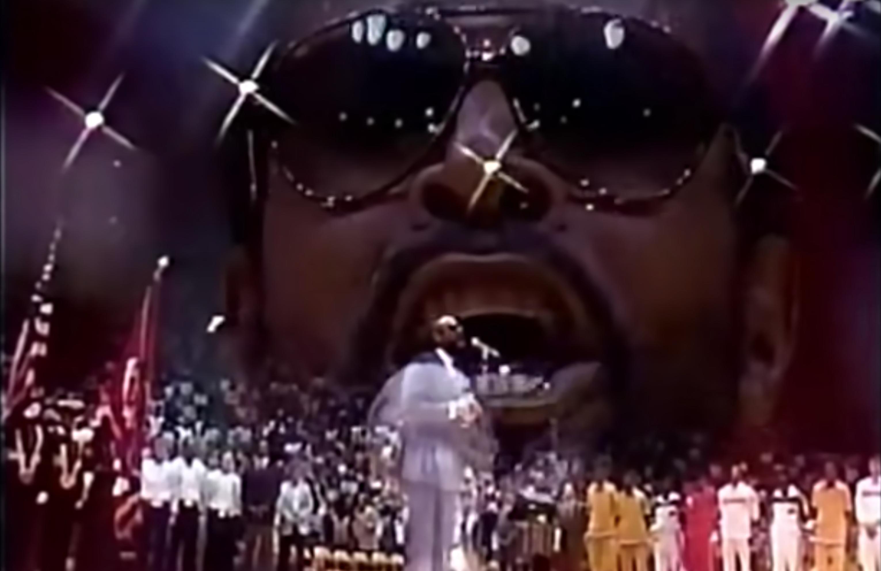 Marvin Gaye esinemas 1983. aasta tähtede mängul. Foto: Kuvatõmmis