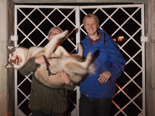 Valter Jakovlev koeraga ja Lauri Täht. Foto: Sekt.