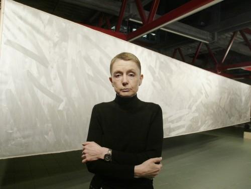 """Sirje Runge oma 2003. aasta maali """"Suur Armastus"""" taustal. Foto: Rauno Volmar, Ekspress Meedia"""