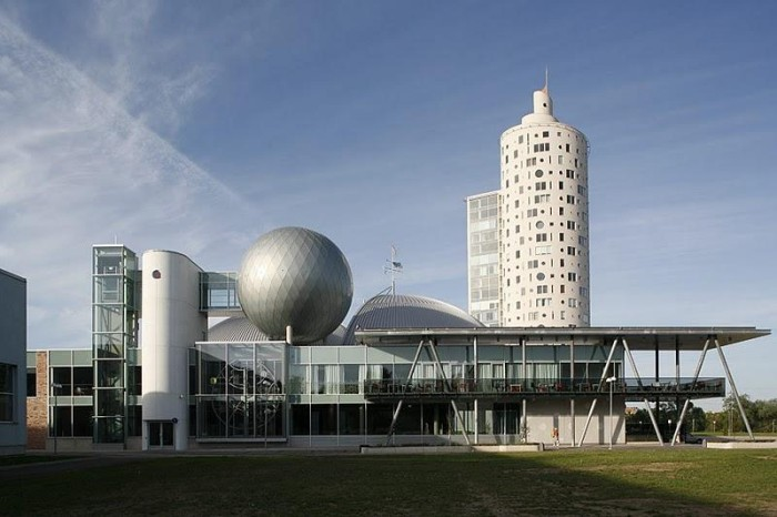 Snail Tower and Ahhaa Science Centre in Tartu. Photo: Arne Masik