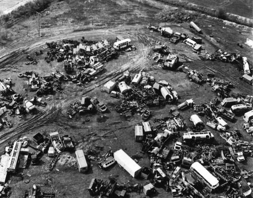 """Tšernobõlis kasutatud saastepuhastustehnika """"surnuaed"""". Foto näituselt."""