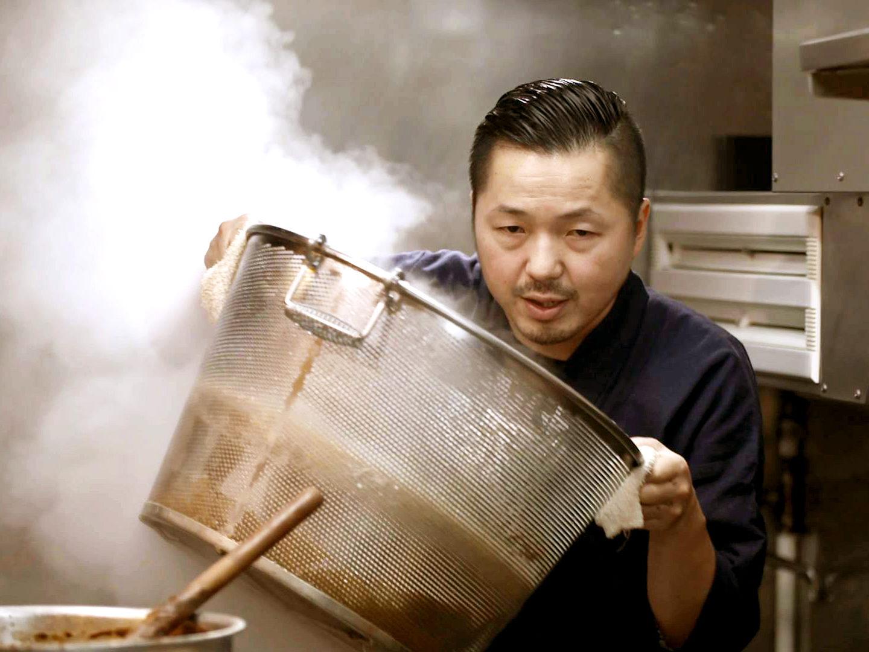 Ramen'i-kokk Tomita Osamu. Kaader filmist