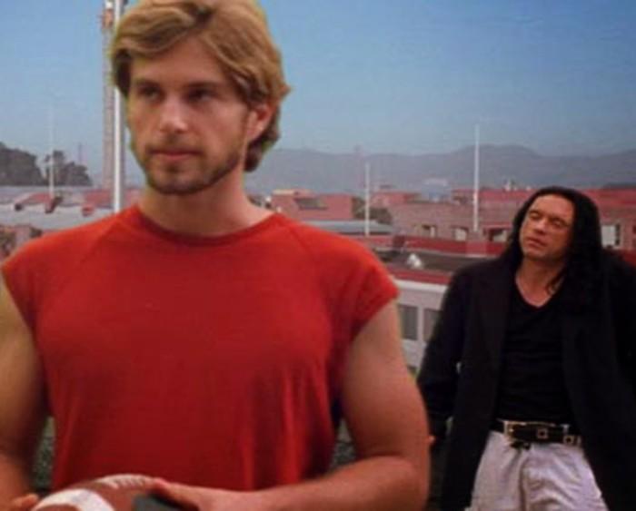 """Greg Sestero (vasakul) ja Tommy Wiseau filmis """"The Room""""."""