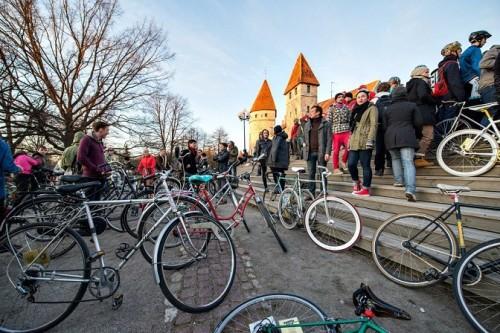 Tour d' ÖÖ Tallinna avastart. Foto: Rainer Ojaste.