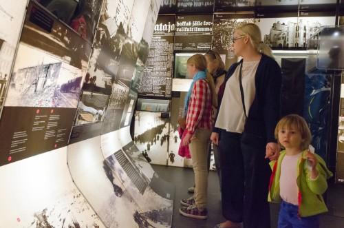 """Muuseumiöö 2014. Näitus """"Iseolemise tahe"""" Maarjamäe lossis. Foto: Vahur Lõhmus"""