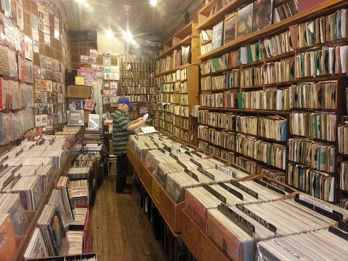Plaadipood NYC-is ehk Akord kümne aasta pärast. Foto: DJ Drummie