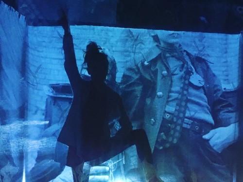 """Stseen lavastusest """"Enne meid oli veeuputus"""". Foto: Piret Jaaks"""