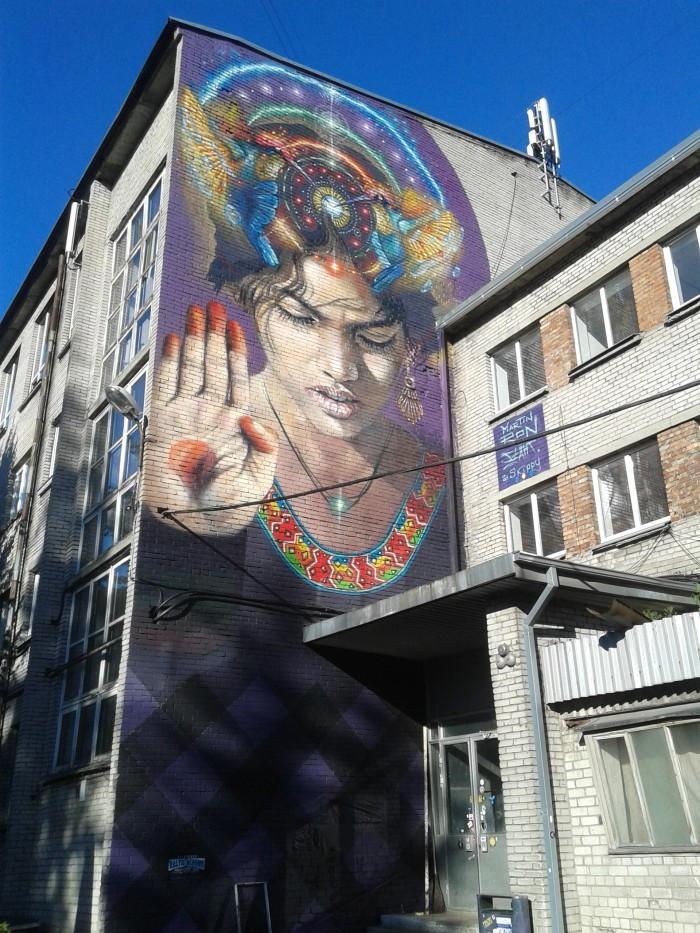 Argentiina grafitikunstniku Martin Roni suvel valminud seinamaaling Telliskivi Loomelinnakus. Foto: Raimo Matvere
