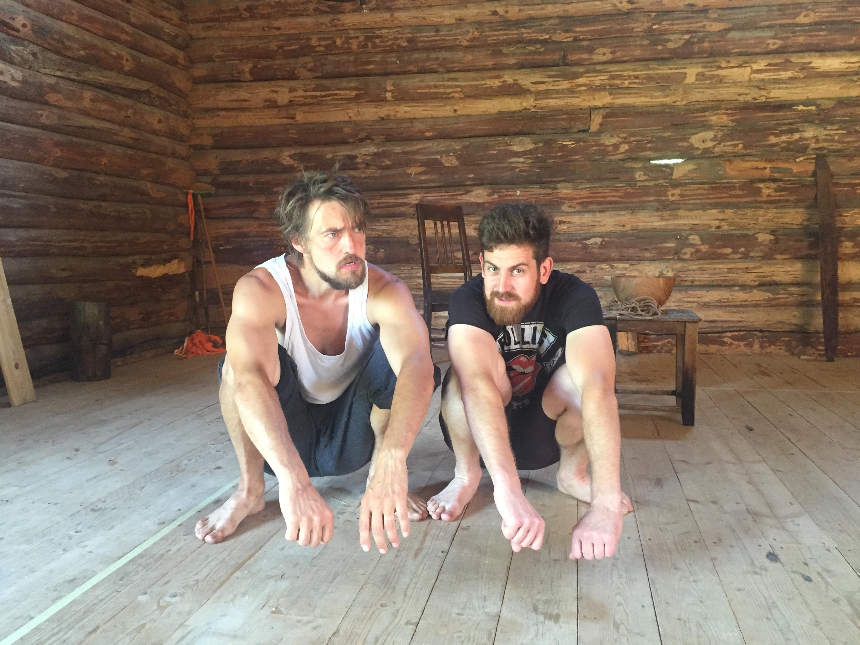Näitlejad Agur Seim ja Artur Linnus. Foto: Helena Kesonen
