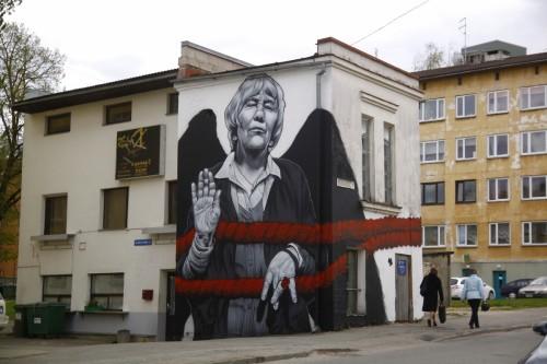Prantsuse tänavakunstniku MTO mural Tartus Soola tänaval.