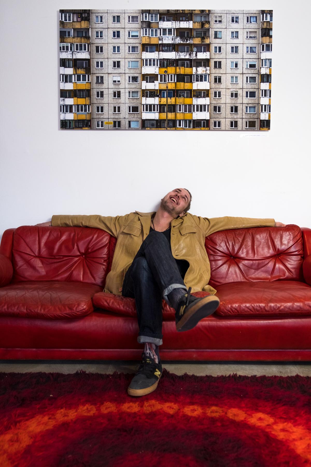 Hannes Paldrock näitusel. Foto: Oliver Rull
