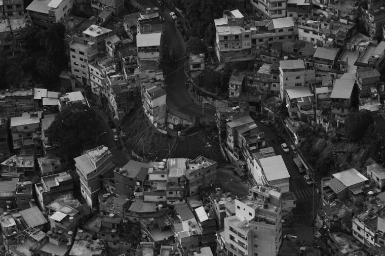 Rocinha on Rio üks suurimaid favela'sid, kus linnastruktuuri keerukusest tingituna on raske rakendada ühiseid, kogu favela't hõlmavaid lahendusi. Foto: Ann Ideon