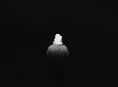 """Foto: ArtProof Noore Fotokunstniku Stipendiumi 2013 võitja Tõnu Tunnel. Näituselt """"helemust/süsivalge""""."""