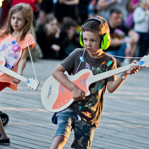 Lapsed Schillingu festivalil. Foto: Aron Urb