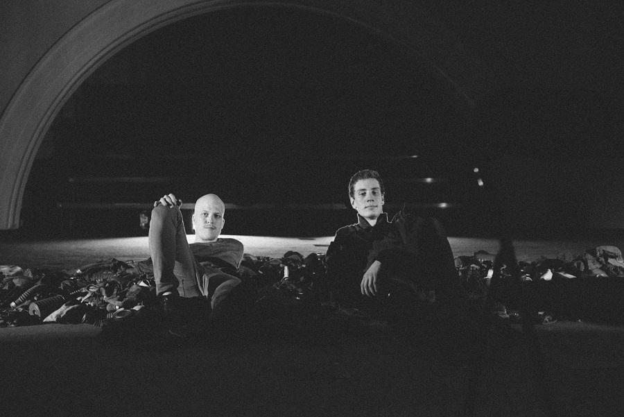 """Karl Edgar Tammi ja Kristjan Lüüs """"1987"""" laval pärast etendust. Foto: Patrik Tamm"""