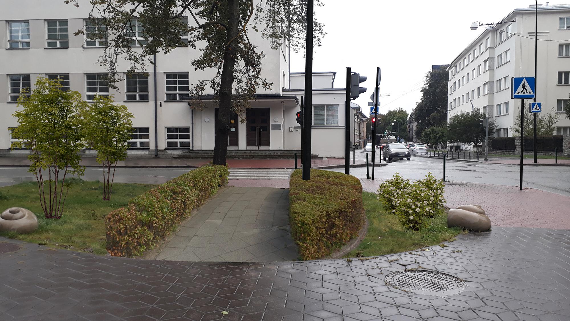Kunderi ja Kreutzwaldi tänava ristmik. Kõrval asub Hiltoni hotell ja ees Tallinna Kesklinna Vene Gümnaasium. Autodele disainitud keskkond, mille kiiret läbimist turvab kole toruporno. Ohutuse tagamiseks tuleb piirata kiirust kooli ees vähemalt 30 km/h. Poste on siin liiga palju, mitmed neist on ka arusaamatult suure mõõduga. Väärika keskkonna loomisele aitab kaasa värvitud postide kasutamine. Planeerijal on puudunud elementaarne arusaam jala kõndimise loogikast. Aastatega sissetallatud trajektoori pole suudetud ka hiljem plaatida, kuigi ainuüksi Hiltoni eksklusiivsus justkui nõuaks seda. Lisaks on siin ju ideaalne ruum haljastuseks. Huvitav, miks seda ei ole lisatud. Pildid ja kommentaar: mitte_tallinn