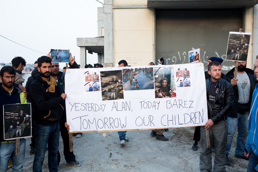 """Tekst plakatil: """"Eile Alan, täna Barez. Homme meie lapsed."""""""