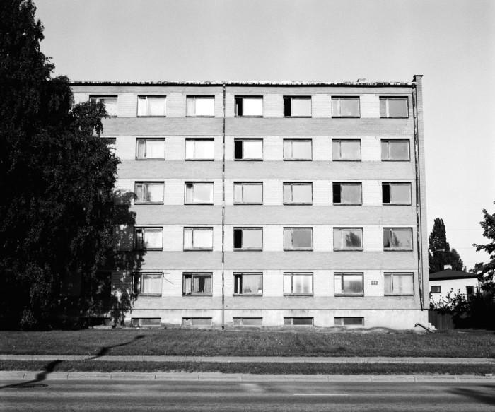 Narva maantee 89 ühiselamu enne, kui selle punastest ning valgetest tellistest fassaad uue ilme sai. Foto: Liina Soosaar