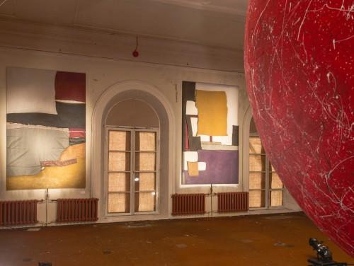 Näitusevaade Tedresaare teostega. Foto: Ahto Sooaru