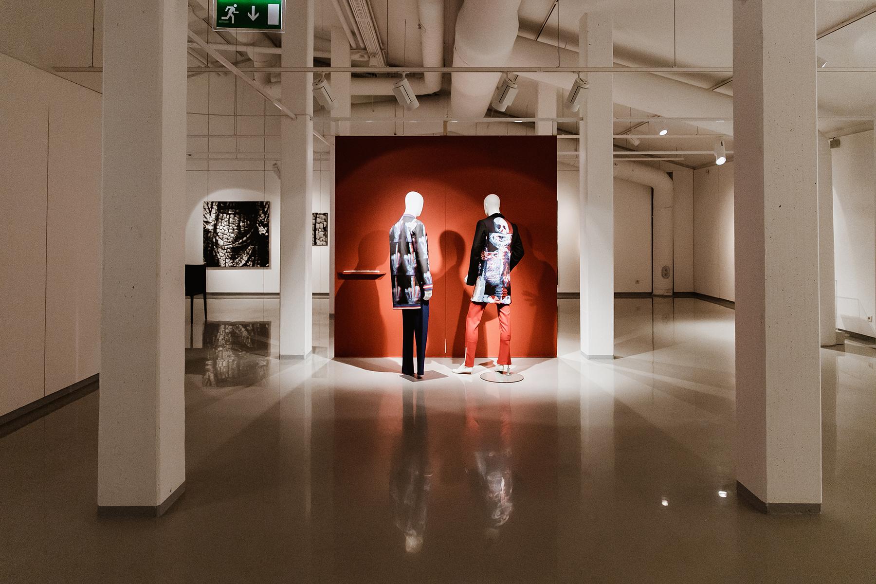 """Näitus """"Kaadrid"""" Pärnu Muuseumis. Foto: Mailiis Ollino"""