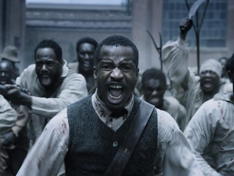 """Kõrge kukkumine. Kuni avalikuks tulnud vägistamissüüdistuseni oli mustanahaline Nate Parker """"Ühe rahvuse sünni"""" lavastaja, stsenaristi ja peaosalisena üks põhilisi Oscari kandidaate. Pilkena mõjub, et filmis kasutatakse süžee käivitajana kaht vägistamisstseeni. Kaader filmist"""