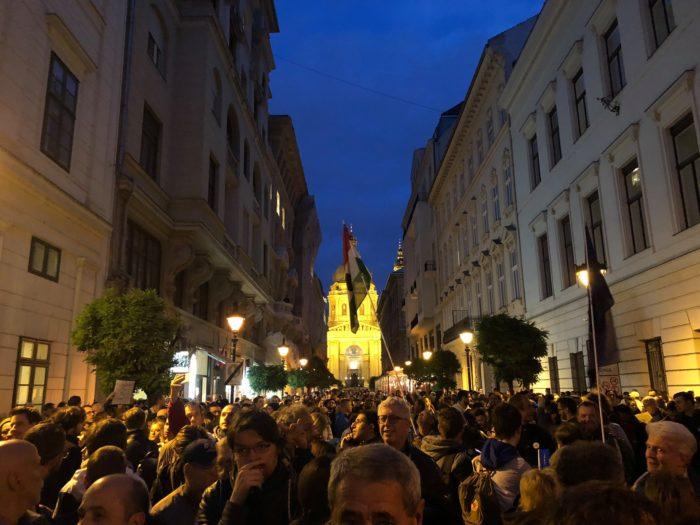 Protest Budapesti tänavatel CEU ja akadeemilise vabaduse kaitseks. Foto: Pranjali Das