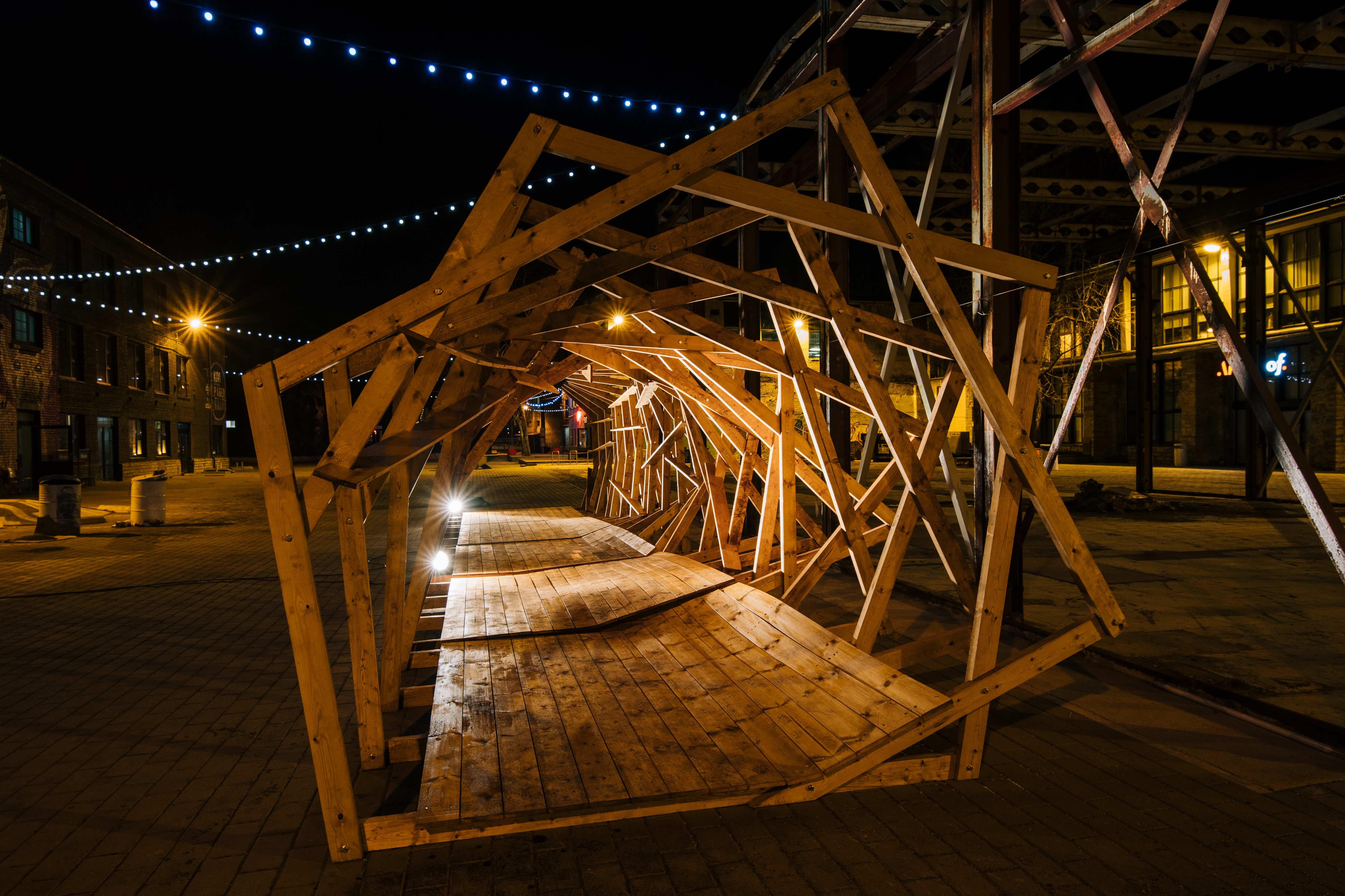 """""""HeliLaine"""" nr 3. Õue galeriipind Telliskivi Loomelinnakus. Foto: Tõnu Tunnel"""