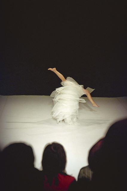 """Renate Keerdi tantsulavastus """"PURE MIND"""". Foto: Mona Menets"""