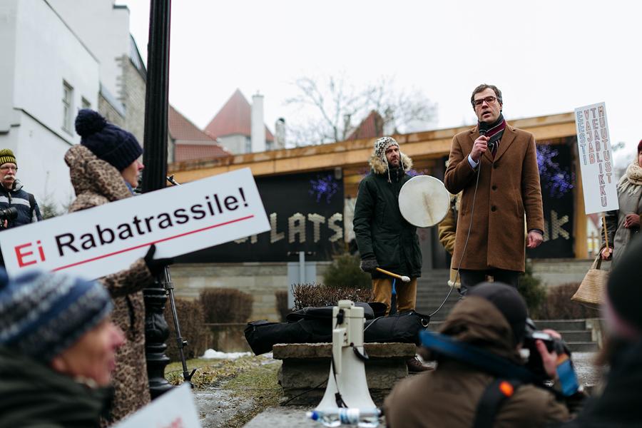 Kristjan Kaunissaare võeti protestijate poolt vastu külmade emotsioonidega.