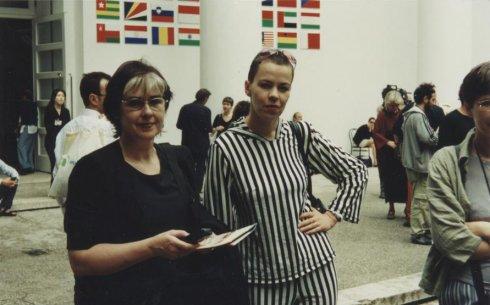 Sirje Helme ja Ene-Liis Semper Veneetsias aastal 2001