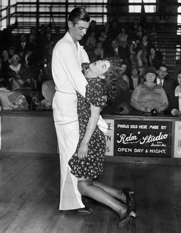 Paar mitu nädalat kestnud tantsumaratonil USAs 1930ndatel.