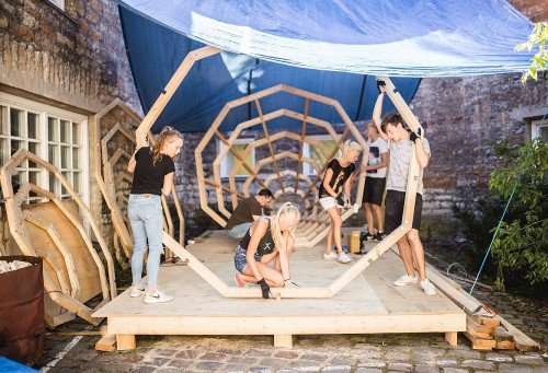 Kõlakoja ehitamine. Foto: Renee Altrov