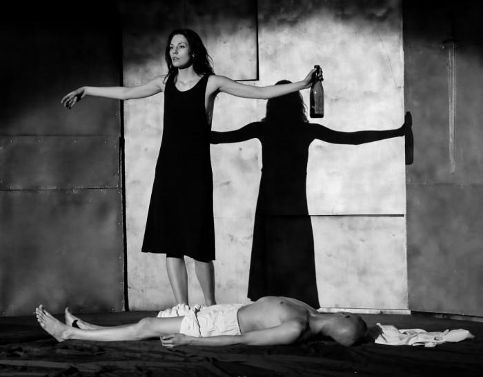 """Trupi Eskiisid Ruumis lavastus """"Hamlet. Taani. Rahu. Prints."""" Foto: erakogu"""