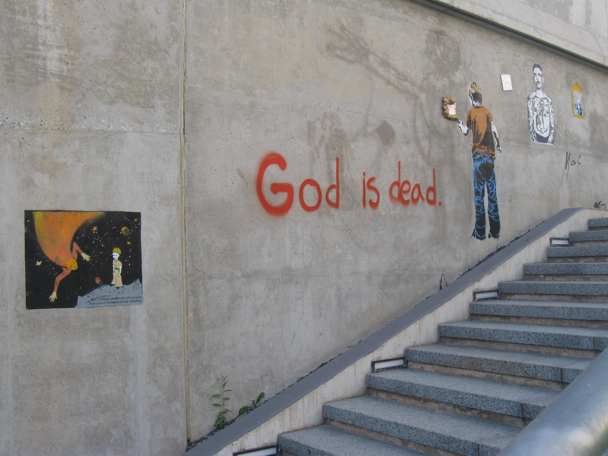 Esimene ateistlik graffiti Tartus. Pildistatud Issanda aastal 2014. Foto: Atko Remmel
