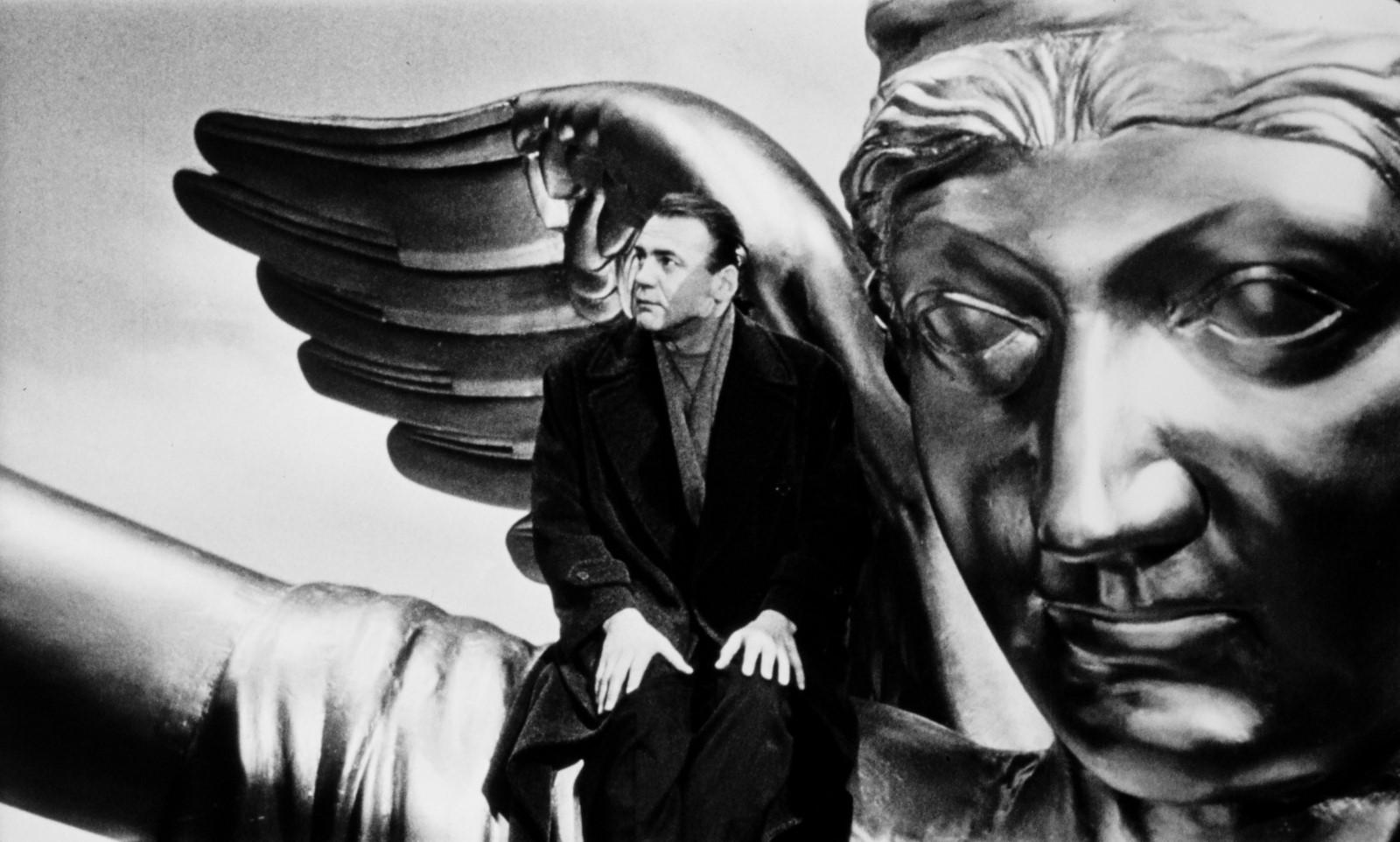"""Kaader Wim Wendersi filmist """"Taevas Berliini kohal"""